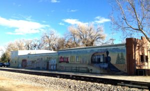 A Niwot industrial building sports an historical mural